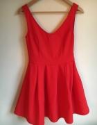Czerwona sukienka rozkloszowana rozmiar S...