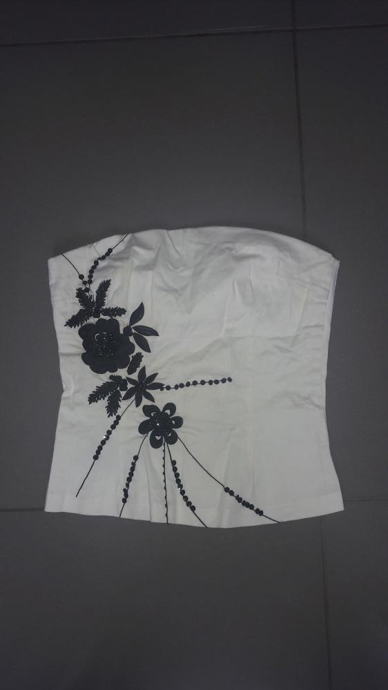 Biały gorset z czarnymi kwiatamy cekiny S