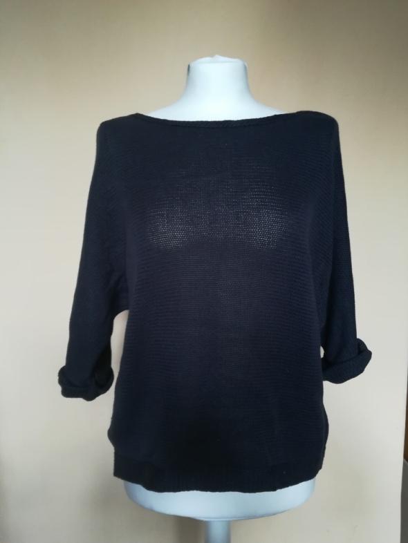 Granatowy sweter H&M...
