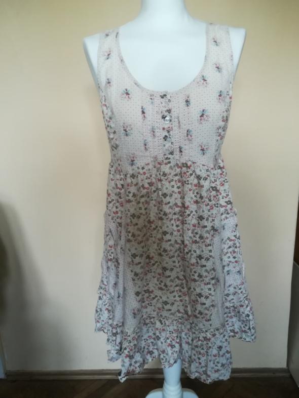 Śliczna sukienka w kwiaty George...