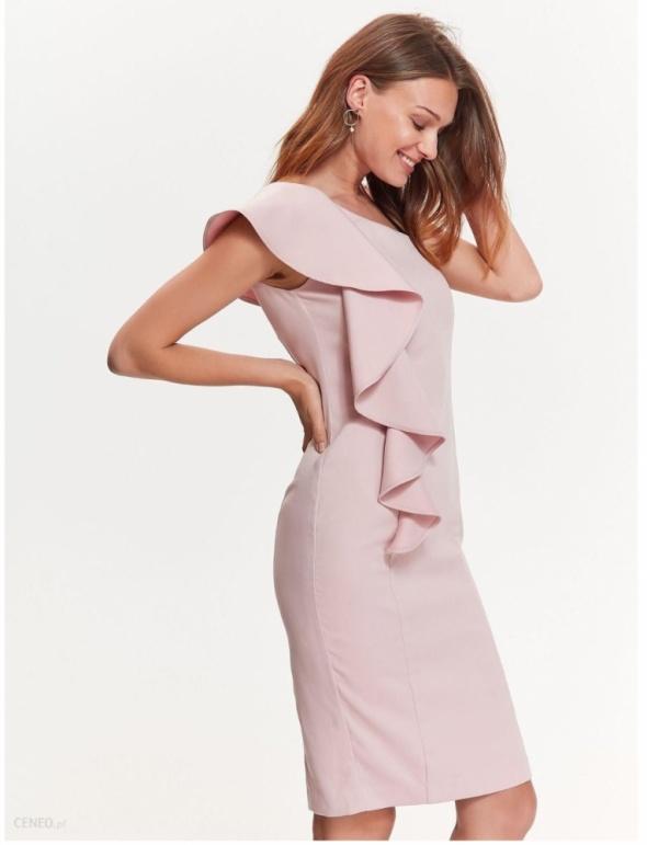 Sukienka z falbana...