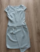 asymetryczna błękitna sukienka