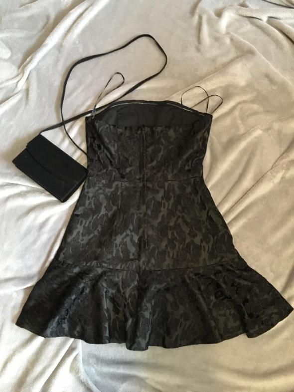 Czarna sexy sukienka H&M S