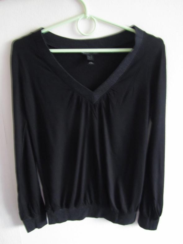 czarna bluzka z długim rękawem