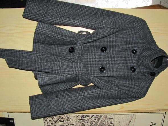 Elegancki płaszczyk jesienno zimowy w kratę...