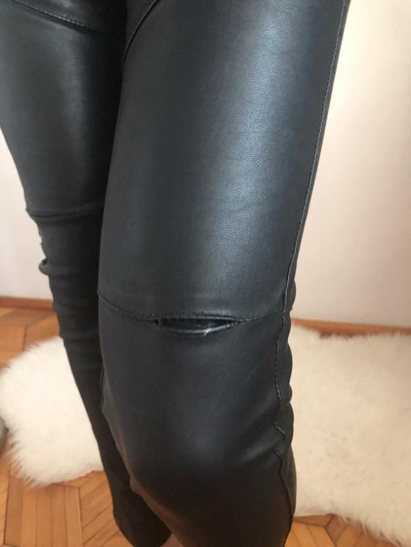 Spodnie ze sztucznej skóry...