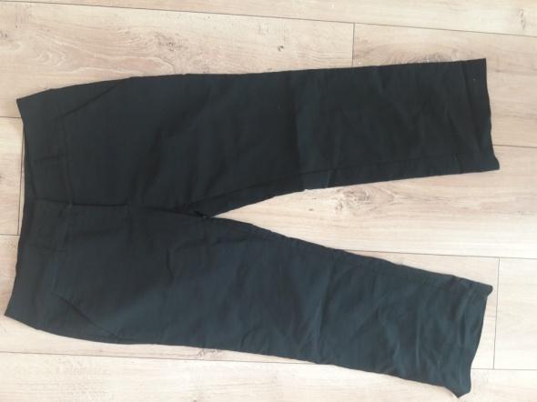 Czarne spodnie 3 4...