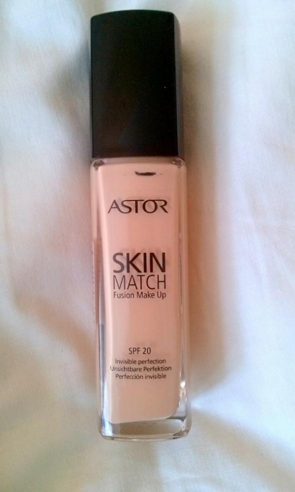 Podkład Skin Match SPF 20...