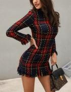 Sukienka z grubszego materiału...