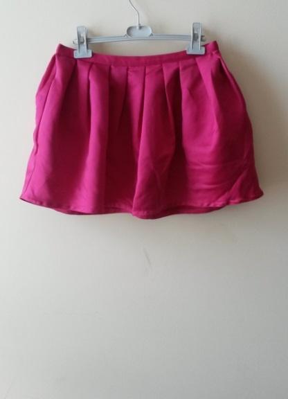 neonowa różowa rozkloszowana spódnica