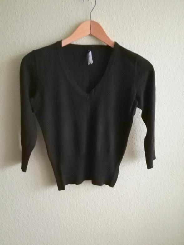 Sweter next czarny z dekoltem V rozmiar 40 L...