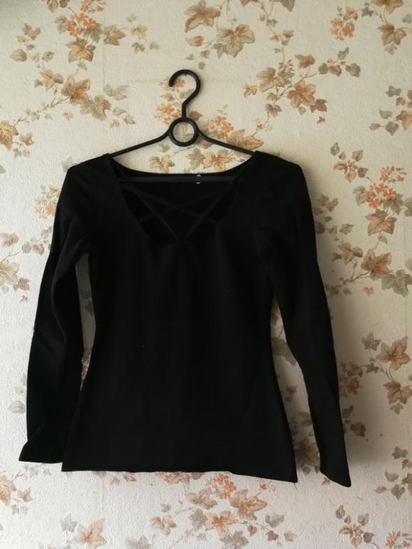 czarna bluzka zdobiona paskami xs