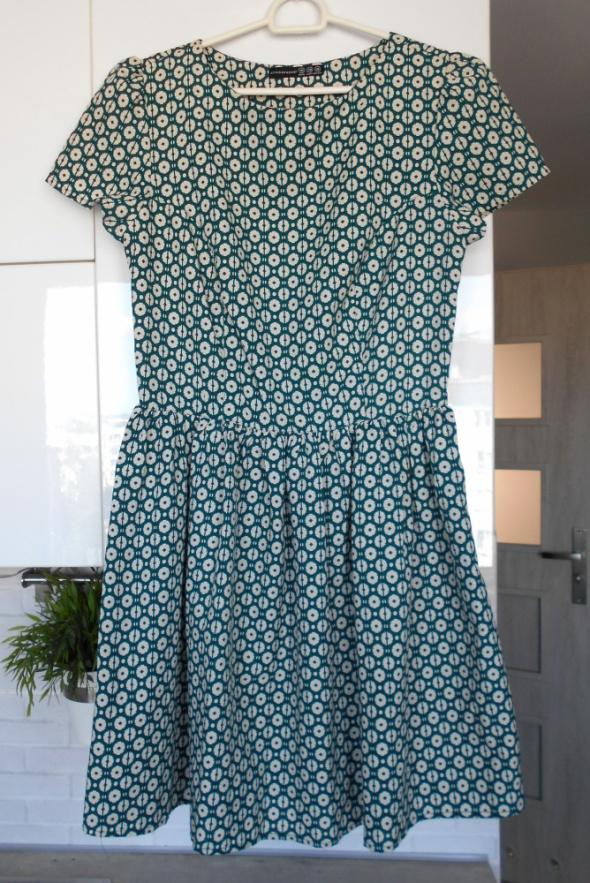 a05e96f2b4 Suknie i sukienki Atmosphere sukienka zielona rozkloszowana wzory retro