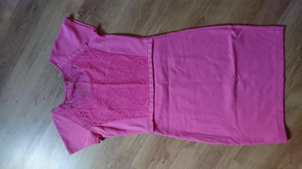 Różowa sukienka Reserved L koronka...