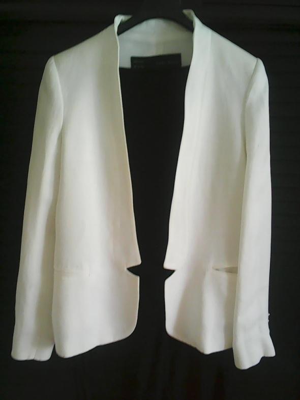 Zara Basic biała marynarka