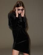Aksamitna sukienka reserved z dekoldem na plecach XS lub S...