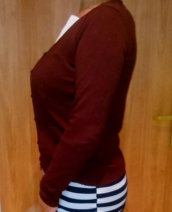 Bordowy rozpinany sweterek z okrągłym dekoltem