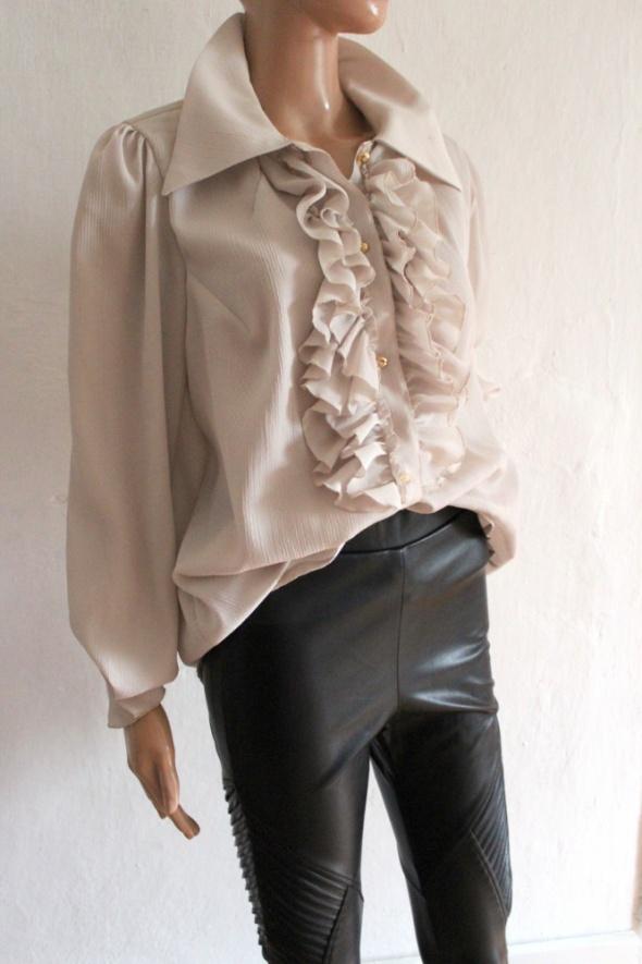 Beżowa koszula z żabotem r około L XL...