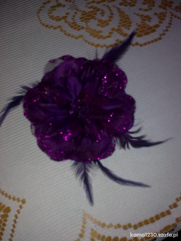 fioletowy kwiatek