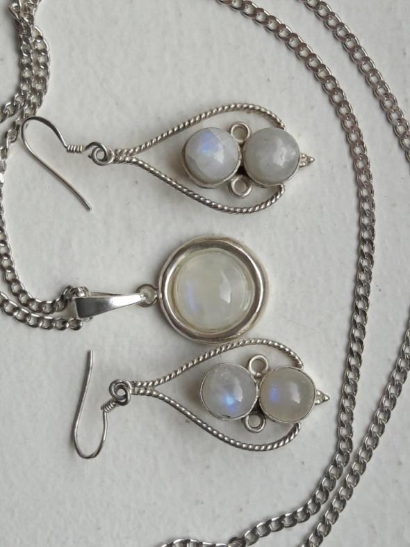 komplet kolczyki wisiorek srebro z kamieniem księżycowym