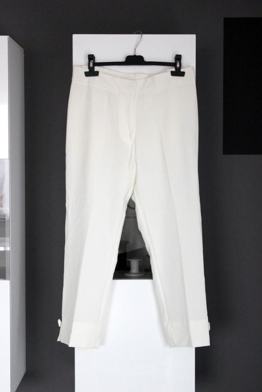 spodnie w kant eleganckie chiny 7 8 kokardy kokardki białe garniturowe wysoki stan wysokim stanem