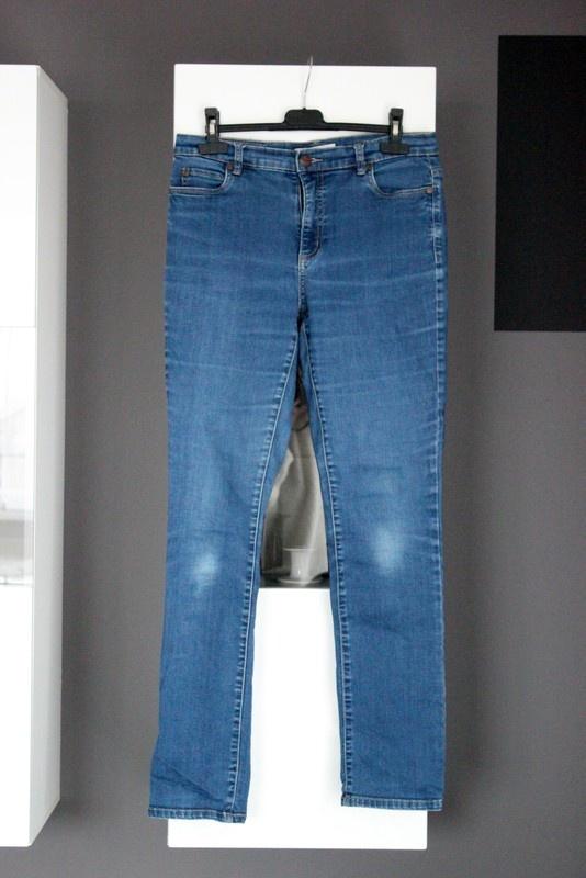 niebieskie dżinsy jeansy wąskie wysoki stan high waist z wysokim stanem basic