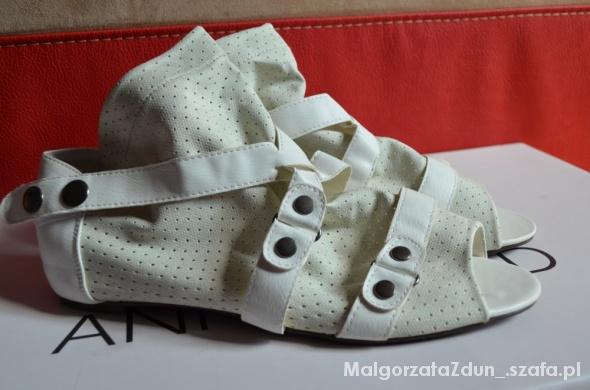nowe sandały ażurkowe ROZMIAR 40 41