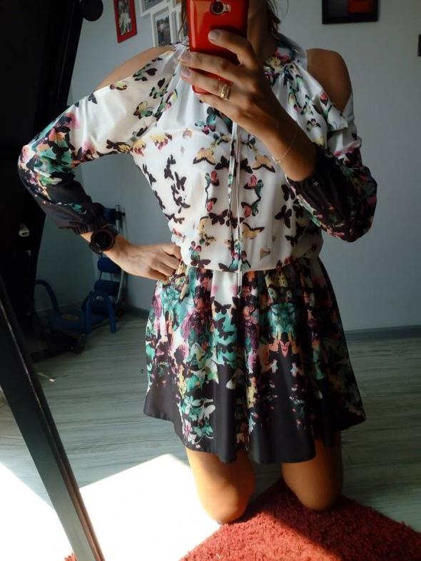 NOWA z metką sukienka w kwiatki odkryte ramiona rozmiar uniwersalny