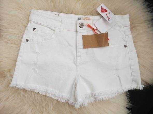 Spodenki jeansowe damskie białe 38...