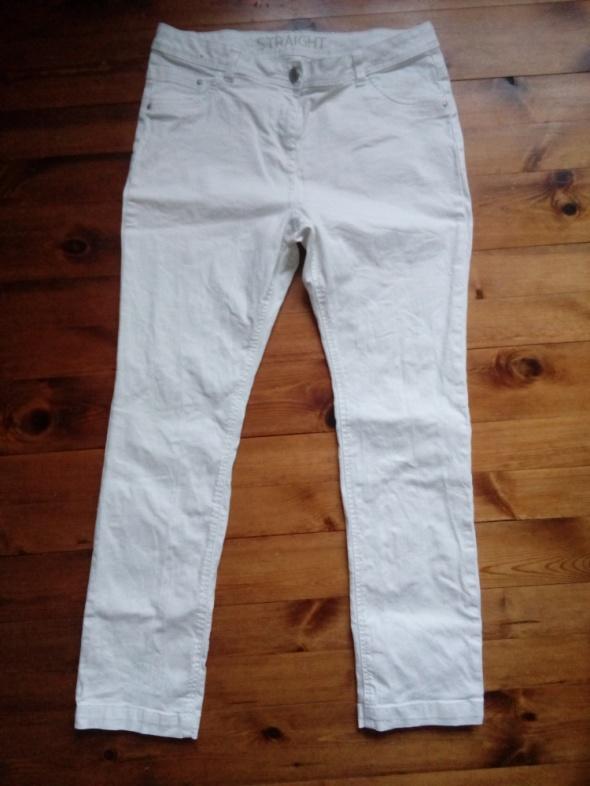 Białe elastyczne 42 44
