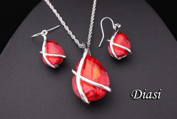 Komplet Łza naszyjnik i kolczyki czerwone kryształ
