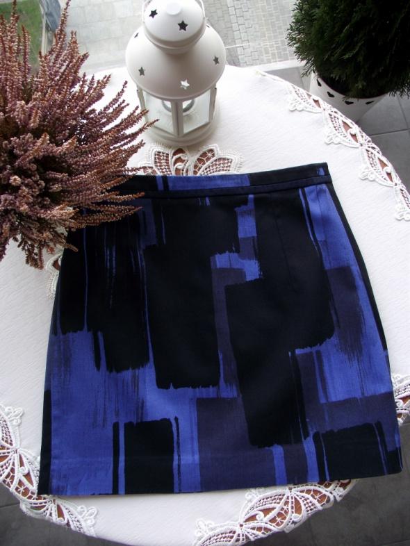 MANGO spódnica mini trapezowa z cyfrowym wzorem S M
