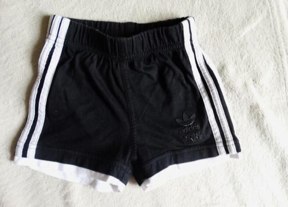 Czarne spodenki Adidas Star Wars