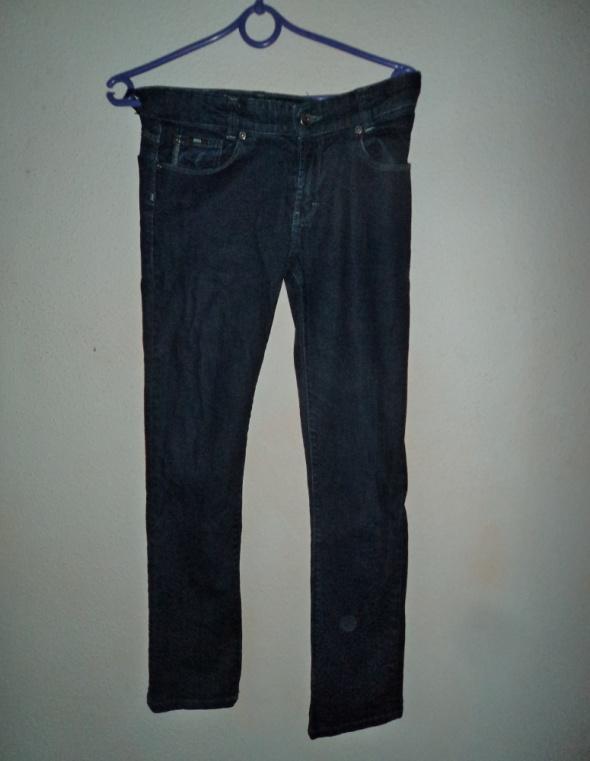 proste spodnie jeansy Hugo Boss XS lee granatowe