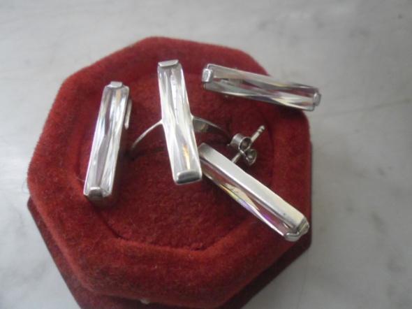 3 częściowy zestaw srebrnej biżuterii z kryształem 10 gr