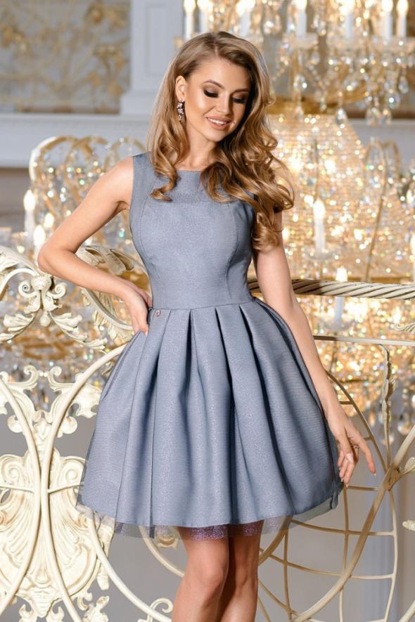 połyskujaca szara sukienka