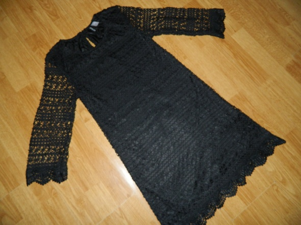DIVIDED H&M czarna ażurkowa sukienka roz 34