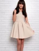 Sukienka z pianki ODKRYTE PLECY