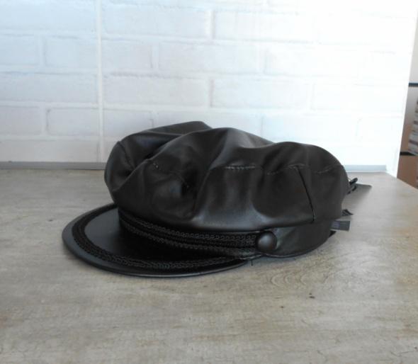 Zara nowa czapka skórzana bosmanka czarna z daszkiem skóra