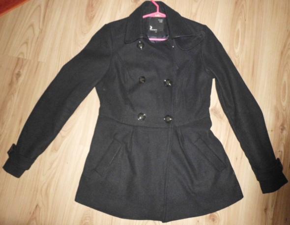 czarny zimowy płaszcz Tally Weijl