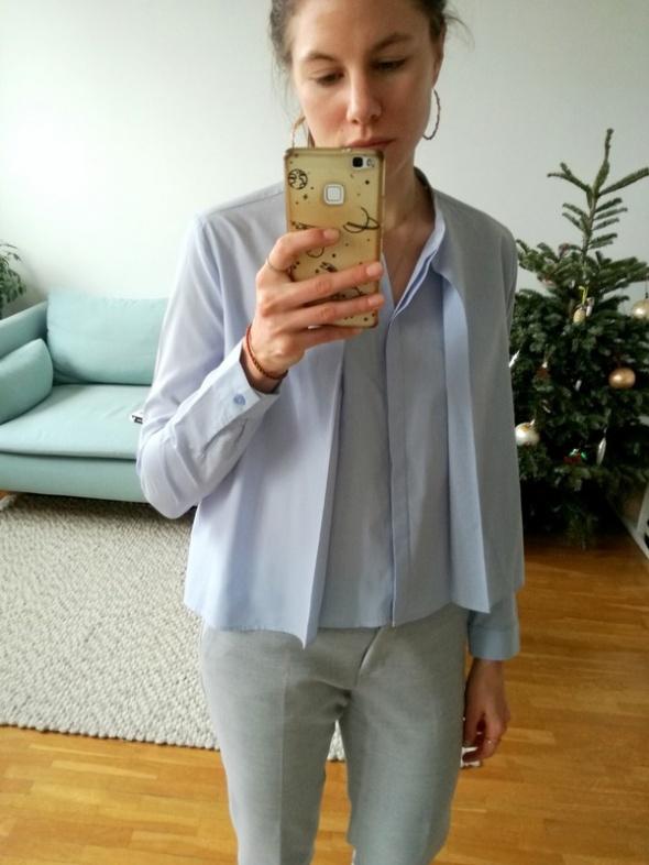 Błękitna koszula bershka...