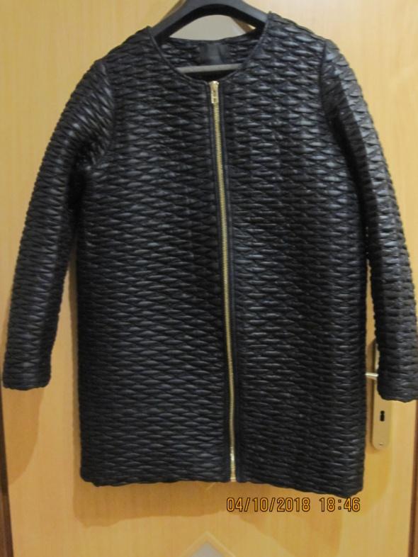 Czarna pikowana kurtka MINIMUM 42
