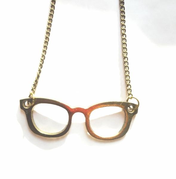 złoty łańcuszek naszyjnik wisiorek okulary