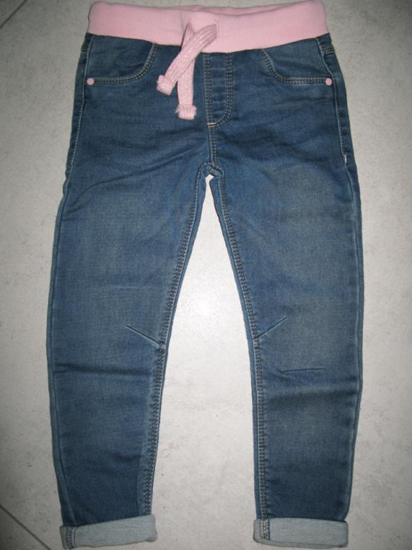 F&F dziewczęce niebieskie jeansy roz 98