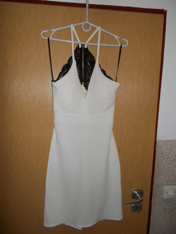 sukienka kremowa sexi M
