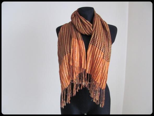 Pomarańczowy szal szalik w drobną kratkę ozdobny