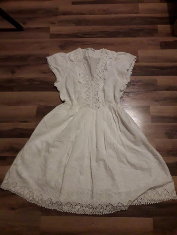 Haftowana letnia sukienka Mango L