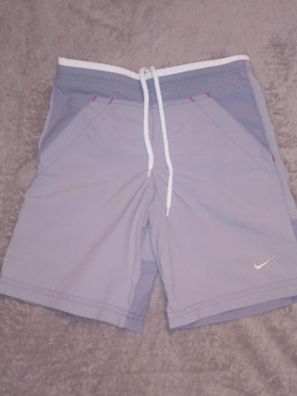 Spodnie i spodenki krótkie spodenki NIKE