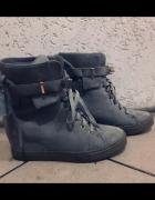 Sneakersy na koturnie botki damskie szare r 40 stan bardzo dobr...