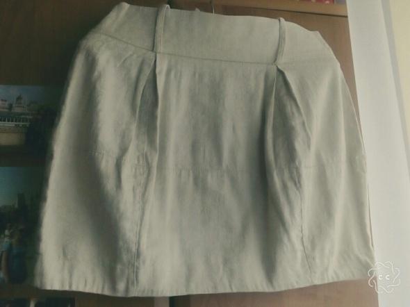 Spódnice Beżowa spódnica tłoczony wzór kwiatowy